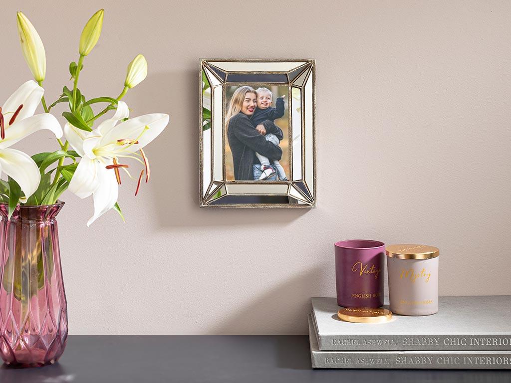 Shiny Polyresin Frame Silver
