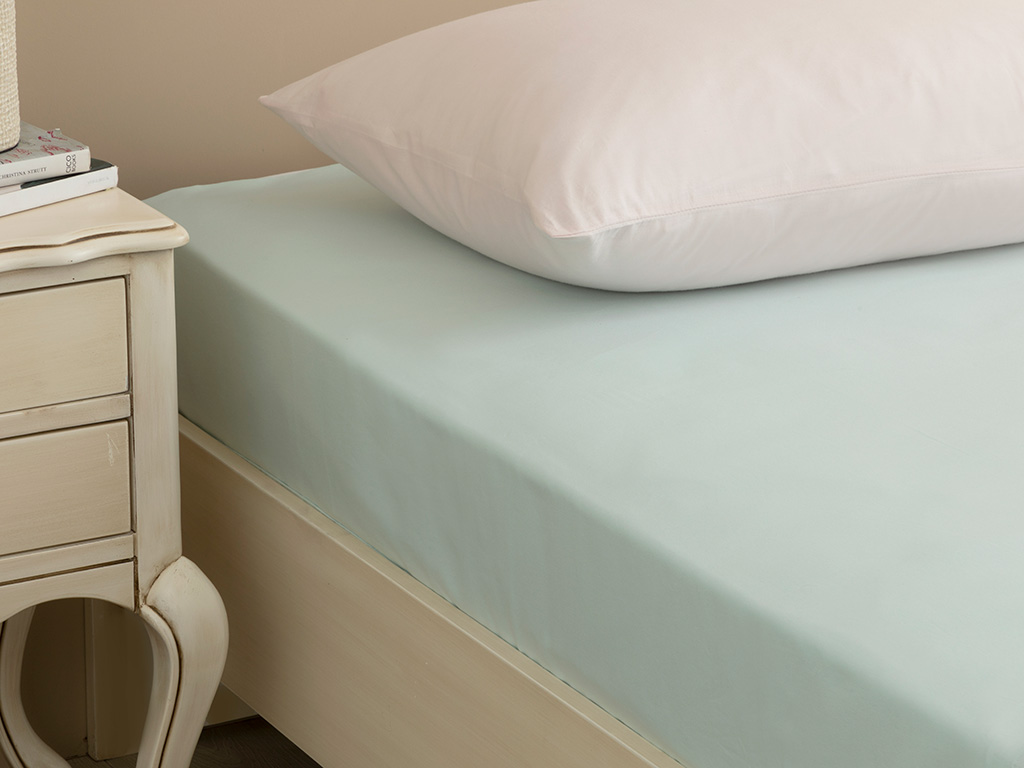 Plain Cotton Fitted Bed Sheet 140x200 Cm Light Seledon