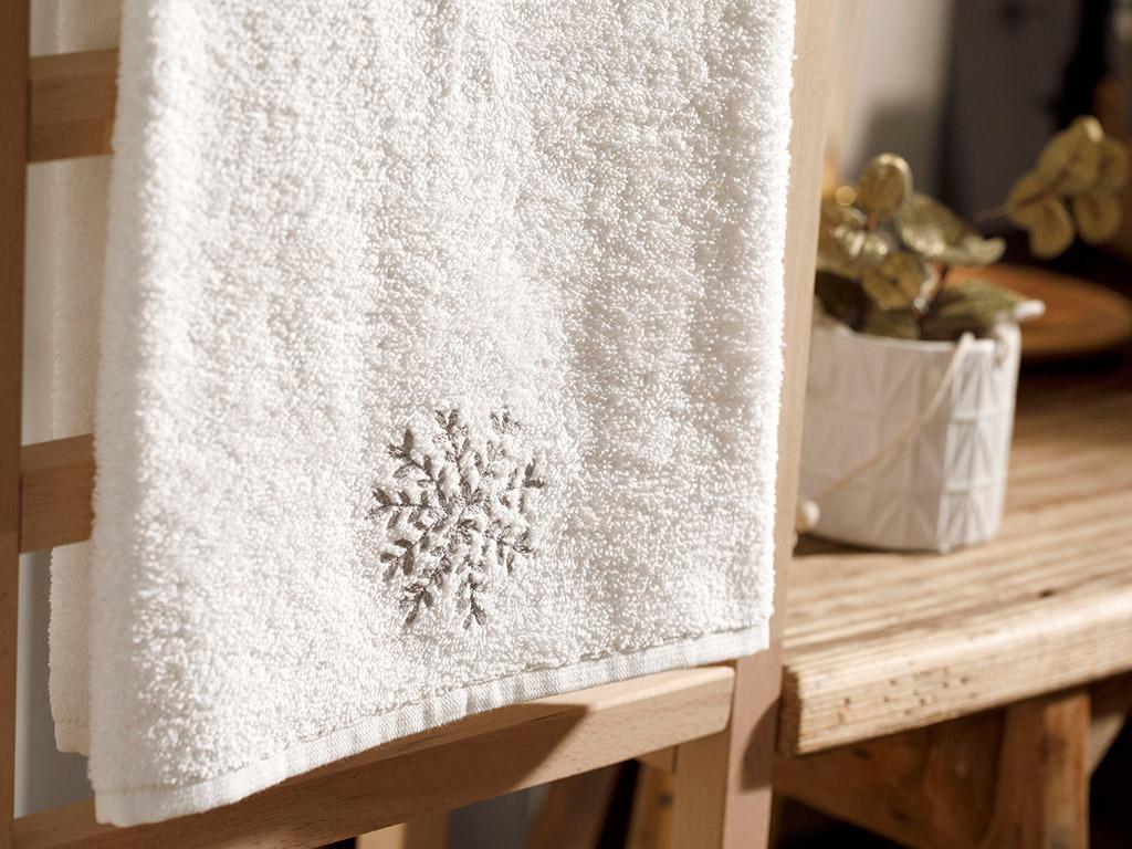 Snow Flake Embroidered Packaged Souvenir Towel 50x80 Cm Ecru