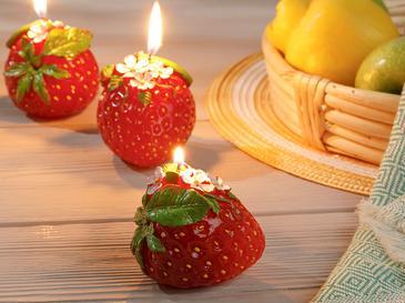 Strawberry Dots Свещ 10x10x10 cm Червено