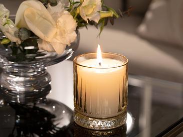 Luxury Ароматизиран Свещ 285 G Жълто