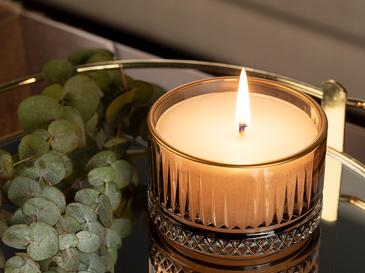 Luxury Ароматизиран Свещ 155 G Кафяво