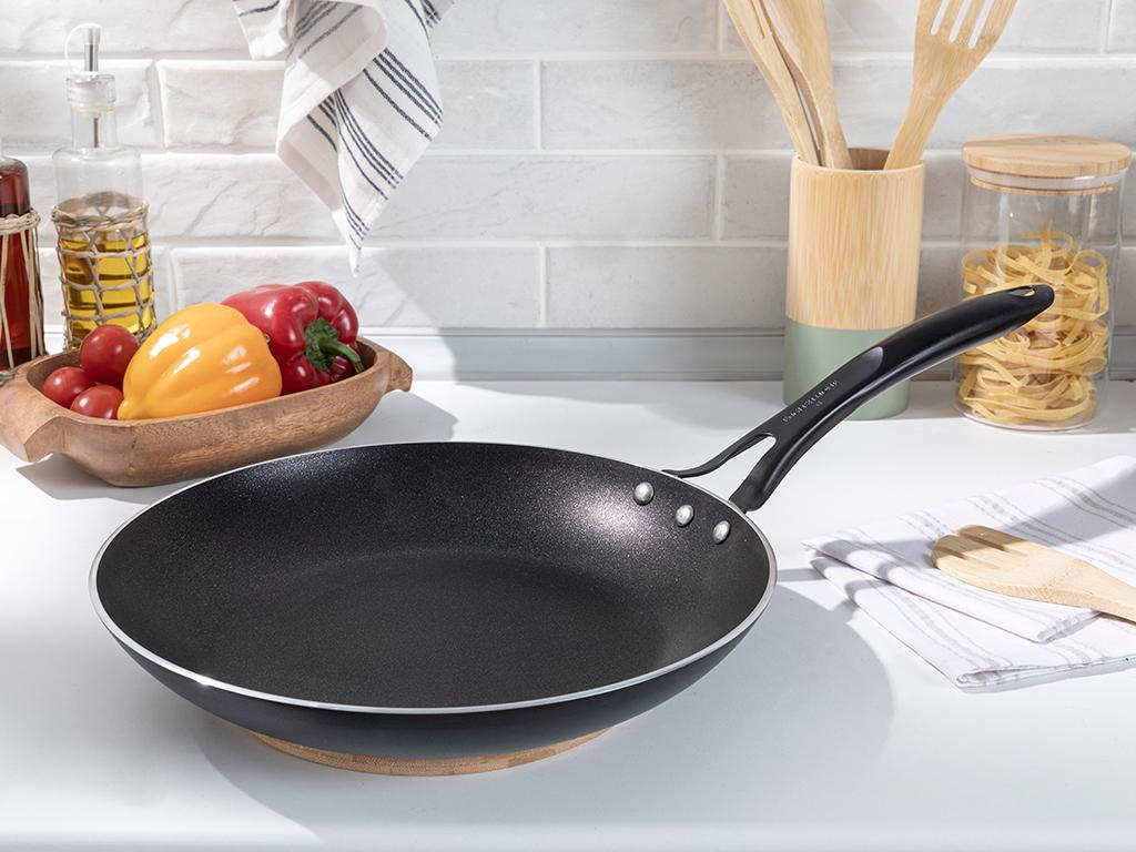 Diamond Aluminum Fry Pan 30 Cm.. Black