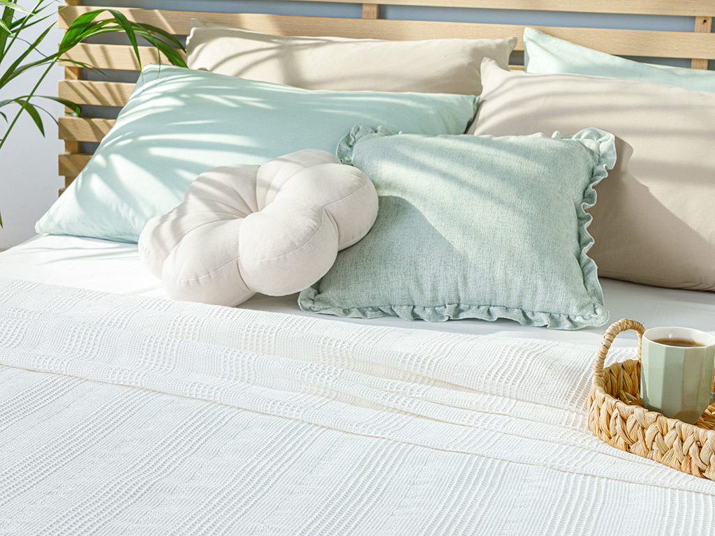 Comb Double Person Summer Blanket 200x220 Cm. White
