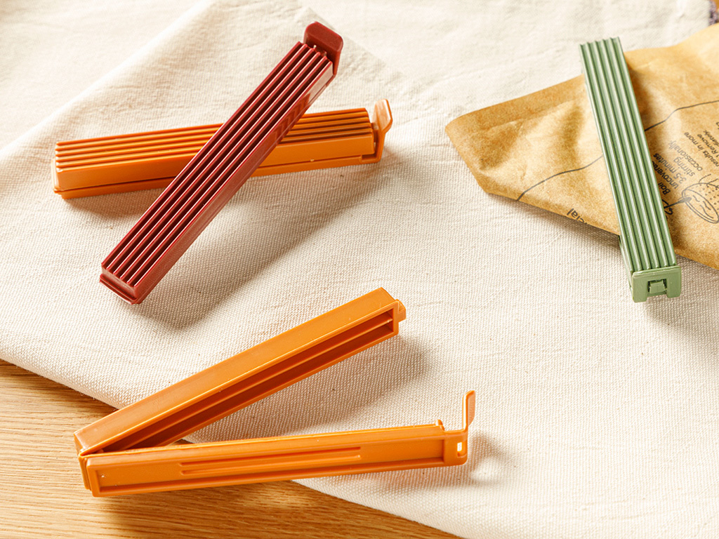 Trendy Plastic 4 Pieces Orange.