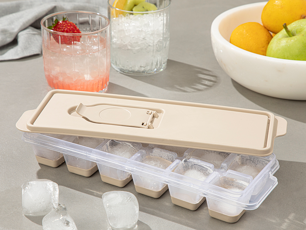 Simply Plastic Capped Ice Mould 8,9x25,3x3,9 Cm Dark Beige